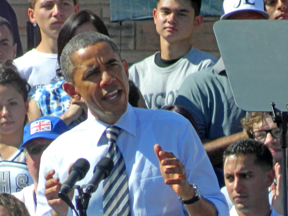 Obama Visits Lincoln High School – 02